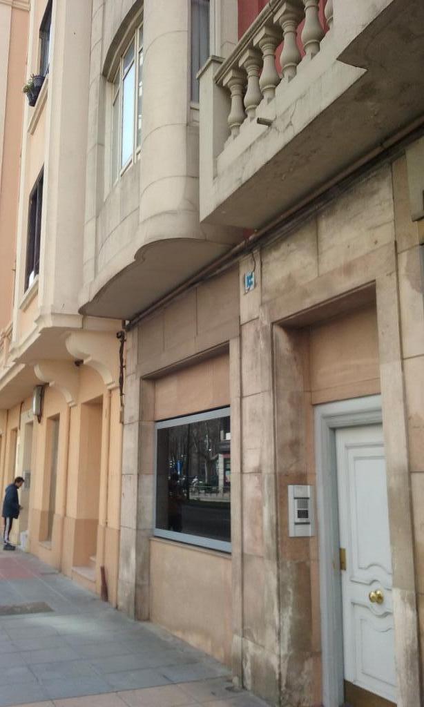 Local en zona paseo zorrilla - Valladolid
