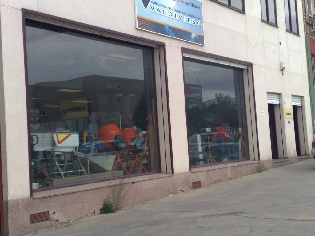Nave en zona poligono san cristóbal - Valladolid